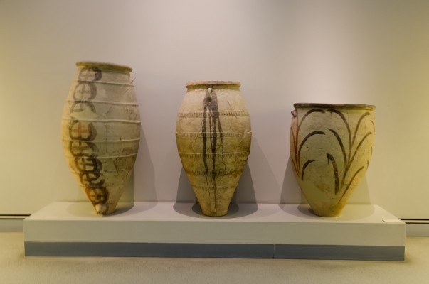 Archaeological_site_of_Akrotiri_-_Museum_of_prehistoric_Thera_-_Santorini_-_neolithic_pottery_-_02