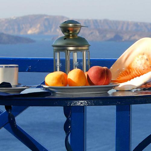 Taste Santorini's traditional kitchen